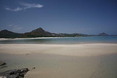 Ferienhaus sardinien ferienwohnung am strand preiswert mieten for Sardinien ferienhaus mieten